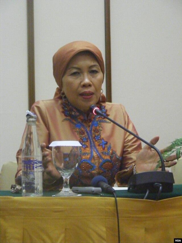 Kepala Perpustakaan Nasional Indonesia, Dra. Sri Sularsih (29/5).