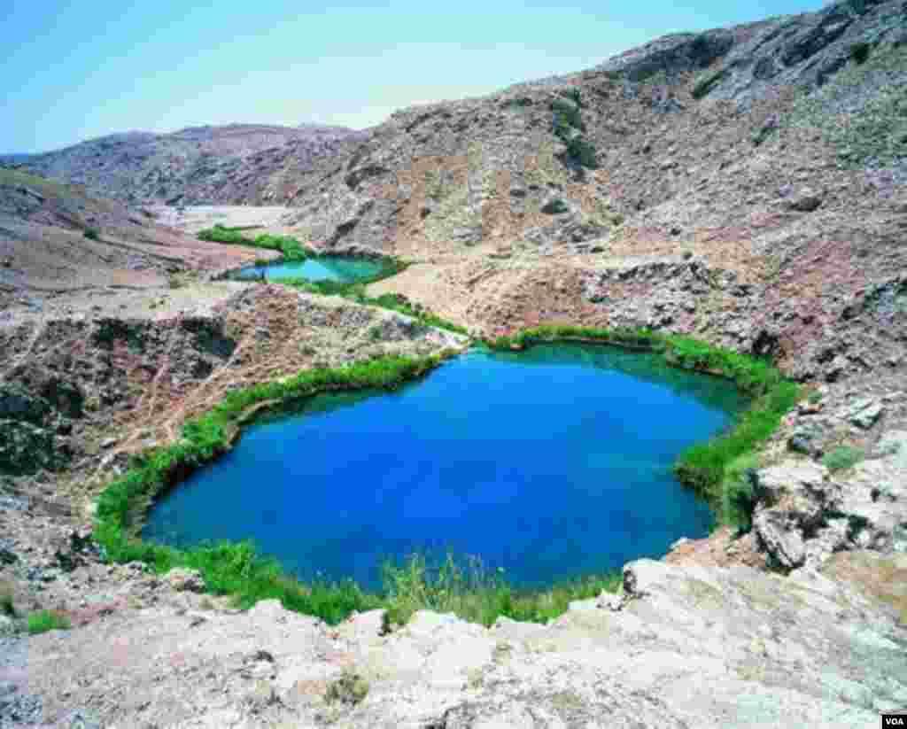 دریاچه دوقلوی سیاه گاو شهرستان آبدانان در استان ایلام عکس: نصیری (ارسالی شما)