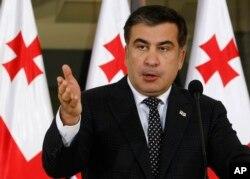 Mixeil Saakaşvilinin apardığı inqilabi islahatlar Gürcüstanı post-sovet regionunda demokratiya və şəffaflıq mayakına çevirdi.