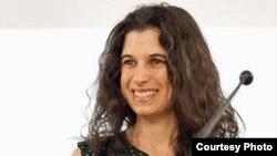 Tiến sĩ Lucie Cluver – phó giáo sư Đại học Oxford và Đại học Cape Town