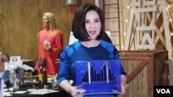 """Bà Võ Ngọc Anh, """"Lifetime Achievement Award"""". (Hình: Đinh Yên Thảo)"""