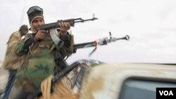 Perancis secara resmi mengakui gerakan pemberontak Libya.