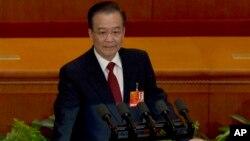 PM China Wen Jiabao mengatakan pemerintah seharusnya berbuat lebih banyak untuk memperkuat perlindungan lingkungan dan menjaga kesehatan masyarakat. Ia mengatakan pihak berwenang harus memberi rakyat harapan dengan mengambil langkah-langkah nyata (foto: dok).