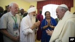 Le pape François assiste à un culte oeucuménique à Nairobi, Kenya.