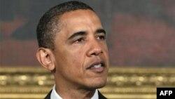 Obama yönetimi, Libya'daki çatışmalara Amerika'nın da katılma kararının arkasında durarak, yetkilerini aştığı suçlamasını reddetti.