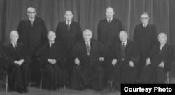 1971年的美国联邦最高法院 (资料照片)