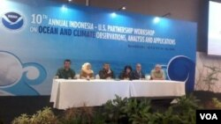 Lokakarya Kemitraan Indonesia-AS mengenai Laut dan Iklim di Bandung, 12-14 Agustus 2015. (VOA/R. Teja Wulan)