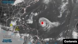 El mapa del satélite muestra el avance del huracán Larry, todavía en categoría 3, a su paso por el Océano Atlántico el martes 7 de septiembre de 2021. [Foto: Cortesía del Centro Nacional de Huracanes de EE. UU.]