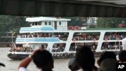 미얀마 양곤강의 한 여객선 모습(자료 사진) 2013년 5월 촬영