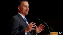 지난 2012년 미국 대선 공화당 후보였던 밋 롬니 전 매사추세츠 주지사가 3일 유타 주 솔트레이트시티의 유타대학에서 연설하고 있다.