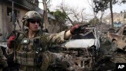 De acuerdo a la ONU, unos 3.500 civiles murieron en Afganistán en 2015 a manos de los grupos talibán.