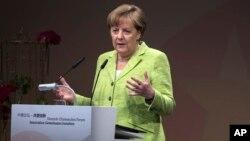 Kanselir Jerman Angela Merkel berbicara di Berlin (foto: dok).