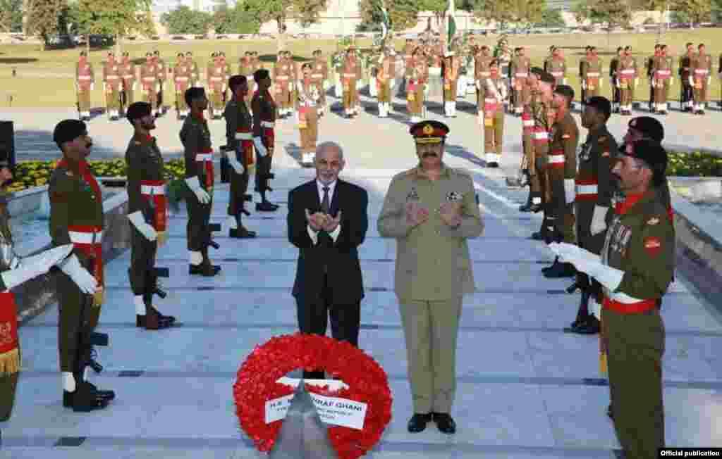افغان صدر نے راولپنڈی میں پاکستانی فوج کے صدر دفتر میں آرمی چیف جنرل راحیل شریف سے بھی اہم ملاقات کی۔