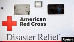 Un camión de la Cruz Roja luego del huracán Sandy, en Nueva Jersey.