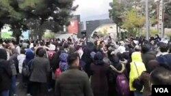 اعتراضات به گرانی بنزین در شهرهای مختلف ایران - آرشیو