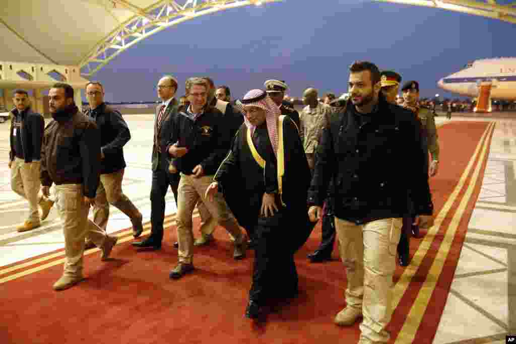 U.S. Defense Secretary Ashton Carter is greeted by Kuwaiti Defense Minister Sheikh Khalid al-Jarrah al-Sabah upon his arrival at Kuwait City International Airport, Kuwait, Feb. 22, 2015.