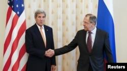 俄罗斯外长拉夫罗夫在莫斯科会晤美国国务卿克里讨论叙利亚冲突。