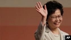 香港前政务司司长林郑月娥在香港特区行政长官的选举中胜出(2017年3月26日)