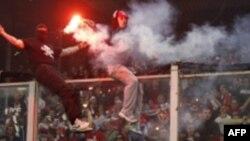 Arrestohen 17 tifozë serbë ne Xhenova para ndeshjes me Italinë