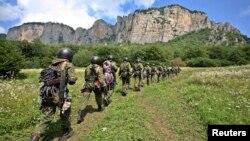 지난달 26일 러시아 남부 아크메토프카 마을에서 러시아군 특수부대원들이 훈련 중이다. (자료사진)
