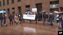تظاهرات هواداران نیروهای دمکراتیک سوریه در مقابل دفاتر سناتورهای دمکرات در شهر نیویورک- ۹ آوریل
