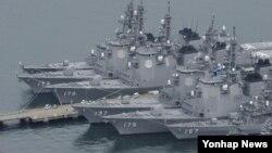 지난 2012년 12월 북한 미사일 발사에 대비해 일본 나가사키현 해상 자위대 사세보 기지에 이지스함이 정박해있다.