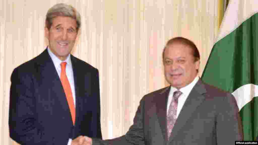 وزیر اعظم نواز شریف سے امریکی وزیر خارجہ جان کیرینے واشنگٹن میں ملاقات کی۔