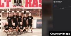 Fotografija sa majicama na kojima je Wolfsangel – Marko Vidović (gore), Davor Škobić, Ivan Ferenc i Dino Lovrić (dolje). Foto: Screenshot, Facebook