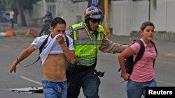 Durante las protestas registradas en 2014 contra el gobierno de Maduro fueron practicadas 3.408 detenciones según la ONG Foro Penal.