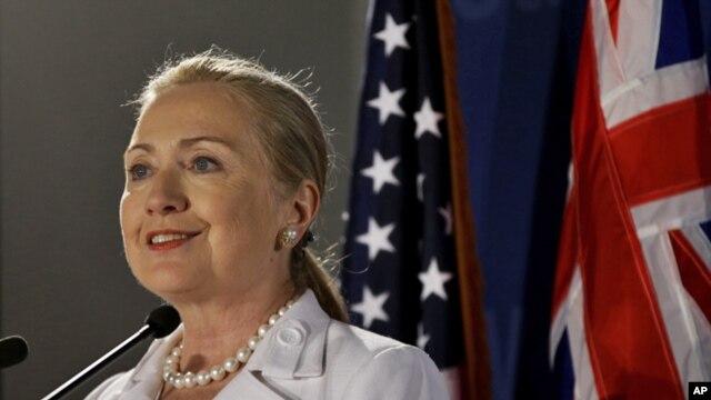 Menteri Luar Negeri Amerika Serikat, Hillary Clinton (Foto: dok). Menlu Clinton mengumumkan akan memberikan dana bantuan tambahan bagi korban konflik Suriah, Rabu (14/11).