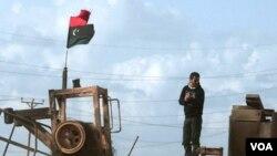 Los combates recrudecen en los alrededores de Sirte, mientras las tropas de las fuerzas opositoras avanzan desde Bin Jawad y Nawfiliyah.