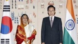 پراتیبها پاتیل رییس جمهوری هند و لی میونگ باک رییس جمهوری کره جنوبی در سئول. ۲۵ ژوئیه ۲۰۱۱