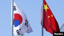 南韓與中國國旗(2019年1月25日)