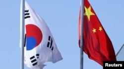 韩国与中国国旗(2019年1月25日)