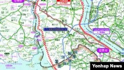 한국 경기도가 인천∼김포∼개성 63㎞를 연결하는 '한강평화로'를 국도로 건설해 줄 것을 국토교통부에 건의했다고 11일 밝혔다.