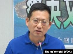 台湾执政党国民党立委吴育昇(美国之音张永泰拍摄)