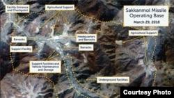 미국 전략국제문제연구소(CSIS)가 민간 위성업체 '디지털 글로브'가 지난 3월 촬영한 '삭간몰' 미사일 기지를 사진을 근거로 삭간몰 기지는 일부 시설 재정비가 진행되는 등 현재까지 운영 중이라고 말했다.