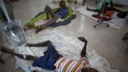 افراد مبتلا به وبا در بیمارستانی در هائیتی استراحت می کنند