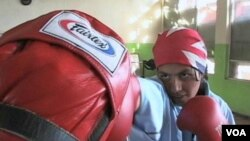 Mlade Afganistanke: boksanjem protiv predrasuda