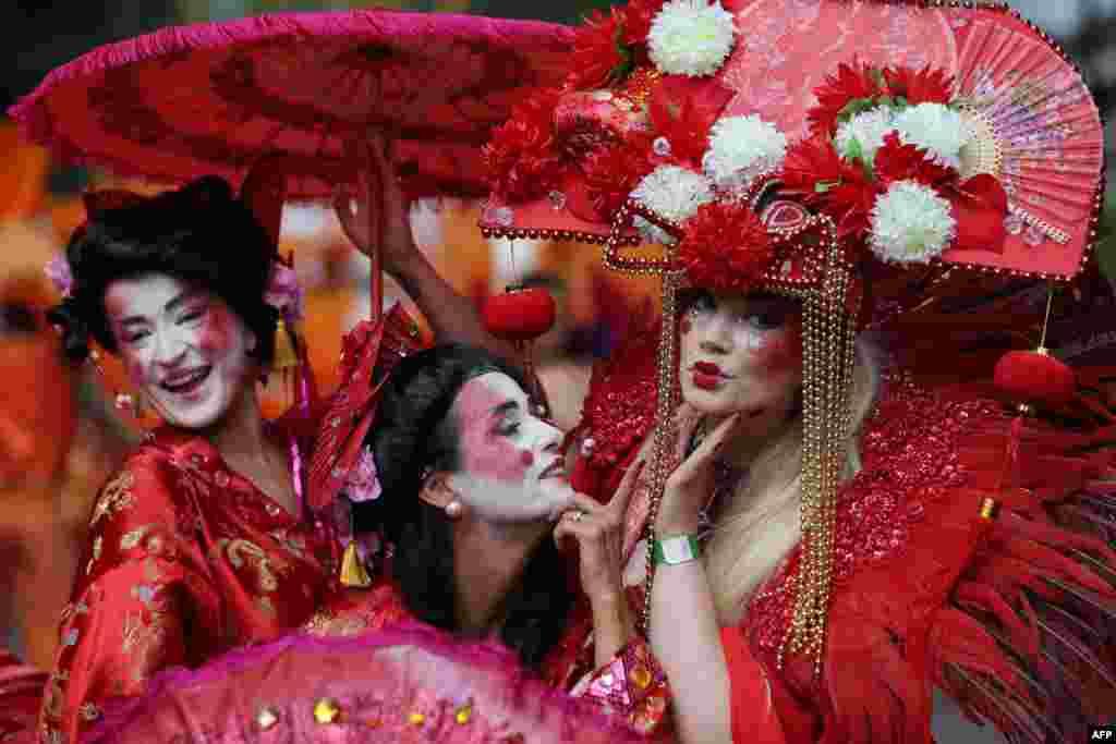 Londra Nothing Hill Karnavalı