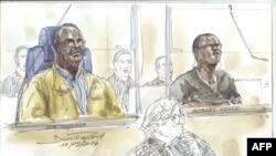 """Sur ce croquis fait lors d'une audience, Tito Barahira (deuxième rangée à gauche) et Octavien Ngenzi (deuxième rangée à droite), deux anciens maires rwandais qui sont accusés d'avoir orchestré """"exécutions massives et systématiques sommaires"""" dans le génocide de 1994 au Rwanda, assistent à leur procès au palais de justice de Paris, 10 mai 2016. AFP PHOTO / BENOIT Peyrucq"""