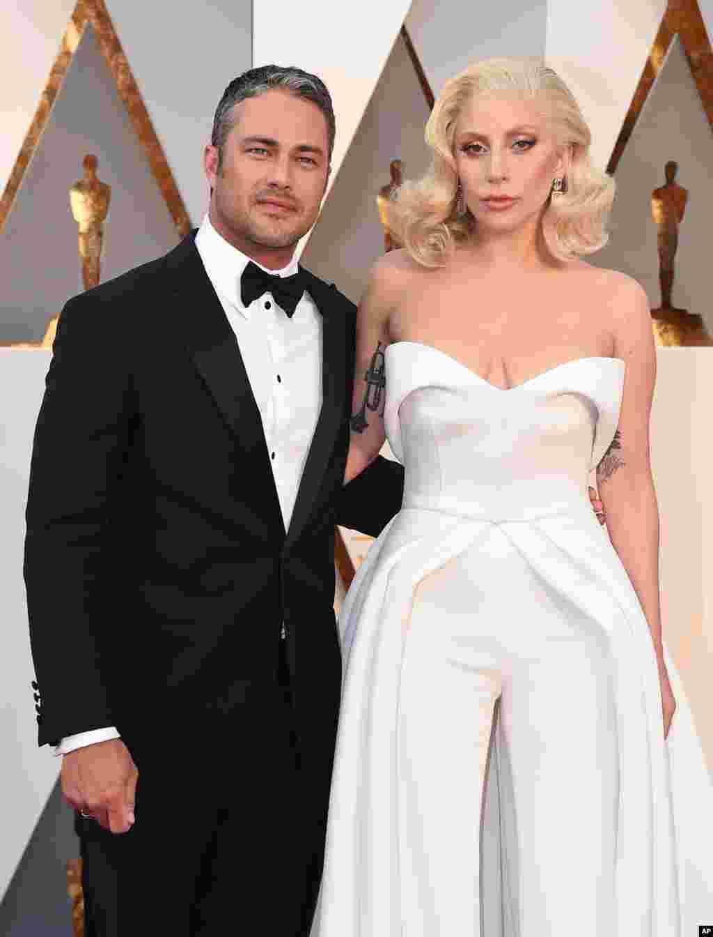 Taylor Kinney ve Lady Gaga