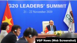 Thủ tướng Việt Nam Nguyễn Xuân Phúc phát biểu tại Hội nghị Thượng đỉnh G20 trực tuyến từ Hà Nội hôm 21 tháng 11 với tư cách khách mời, kêu gọi lãnh đạo khối các nền kinh tế lớn nhất thế giới hợp tác trong ứng phó với đại dịch COVID-19.