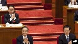 Ông Lệnh Kế Hoạch người ngồi hàng ghế phía sau 2 nhà lãnh đạo Trung Quốc Hồ Cẩm Đào và Ôn Gia Bảo