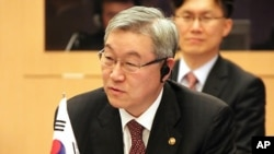 한.일.중 3국 외교장관회의에 참석한 김성환 한국 외교통상부 장관(자료사진)