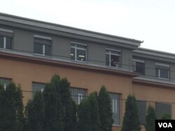 Protesti se prate sa prozora VSTV-a