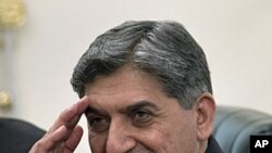 Ahmed Shuja Pasha, head of Pakistan's military-run spy network Inter-Services Intelligence, in Islamabad, Pakistan, June 11, 2011 (file photo)