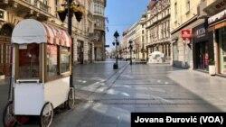 Knez Mihailova ulica u Beogradu tokom policijskog časa u subotu