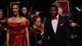 Gláucio Ngaca e Trudy Gertze durante um concerto da Orquestra Sinfônica da Namíbia em 2018