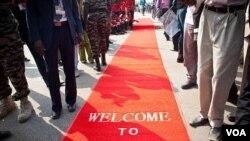 Karpet merah dibentangkan di ibukota Juba dalam perayaan kemerdekaan Sudan selatan 9 Juli lalu.